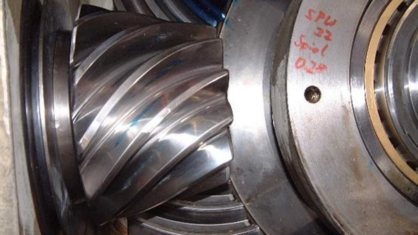 Input bevel stage of a MAAG® SPU gear uni