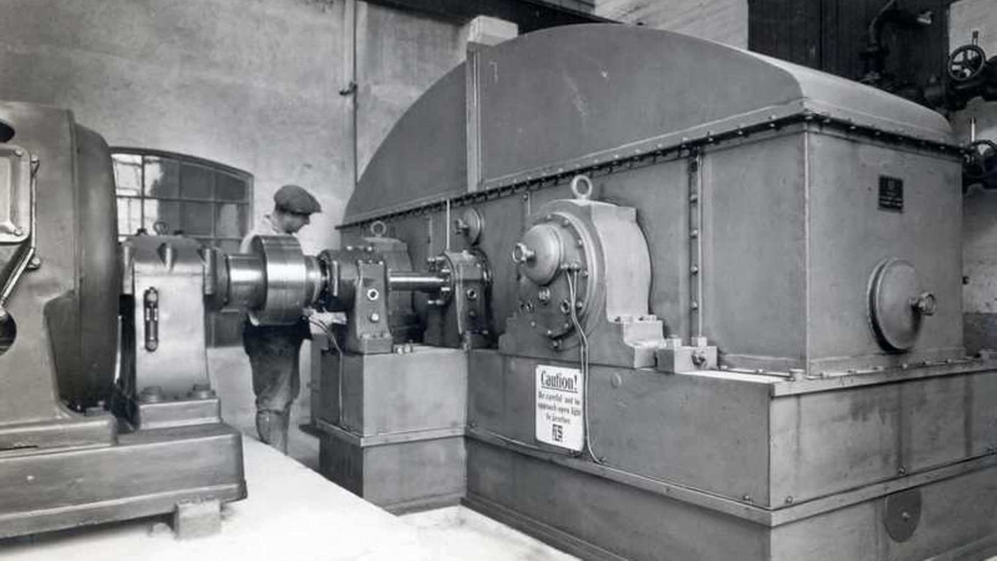 The first generation of our MAAG® Symetro gear unit, built in 1923